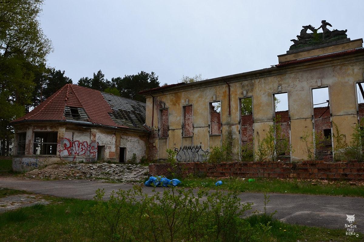 W dniu 1 lutego 2010 w Domu Oficera wybuchł pożar, który strawił m.in. salę koncertową i wiele innych pomieszczeń.  Dom Oficera Borne Sulinowo