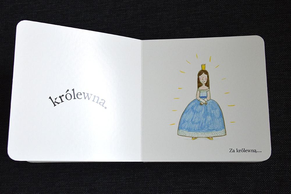 """Książki dla dzieci w wieku 0 - 2 lat """"Przed moim domem"""" Marianne Dubuc, Wydawnictwo Dwie Siostry"""